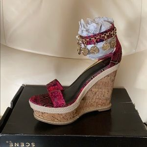 Shoe Dazzle Gold and Pink Wedges
